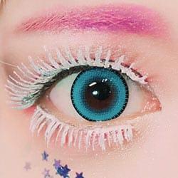 シロップのような甘い瞳を演出する|ブルーハワイ